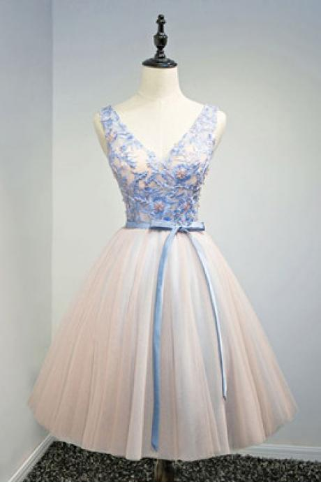 Special Ball-gown V-neck Short Tulle Homecoming Dress With Appliques Lace,90202