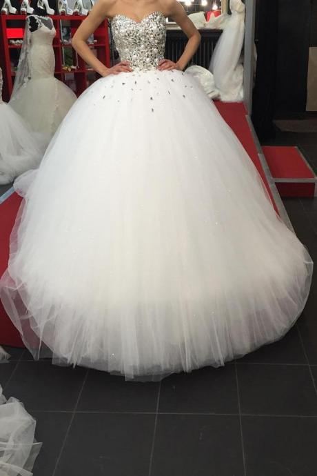 Strapless Sweetheart Crystal Beaded Organza Ball Gown Wedding Dress